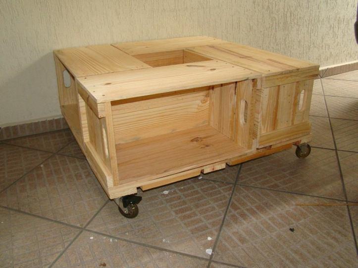 mesa-de-centro-de-caixotes-fechado-e-rodizios-10016-MLB20024185431_122013-F