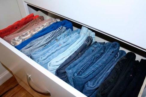 organizando calças