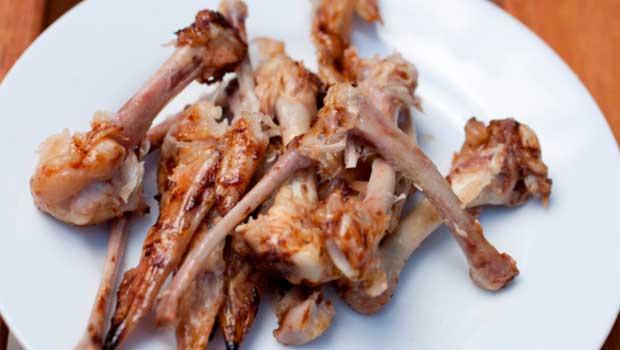 ossos-de-frango-para-cachorro